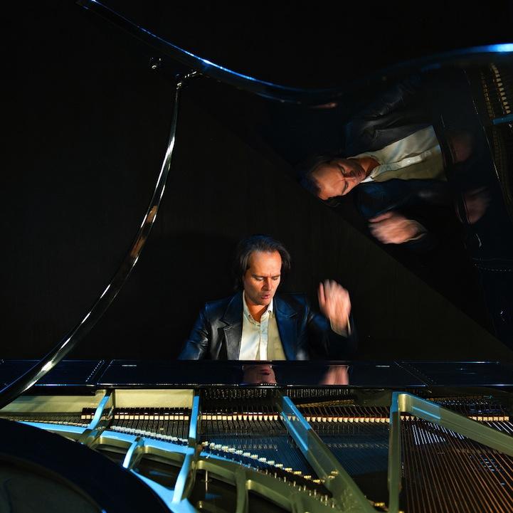 The Bogányi  Piano, the classic grand Piano designed with a futuristic twist.