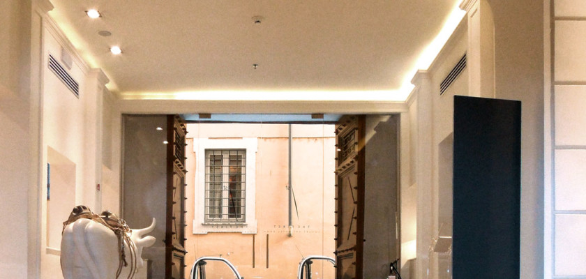 Roman Reflections. THE FIRST Luxury Art Hotel Roma.