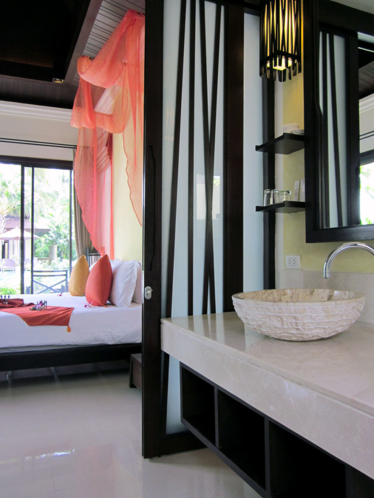 The Moevenpick Resort Laem Yai Beach Samui. Inside the Pool Villa King. photo: the art resort