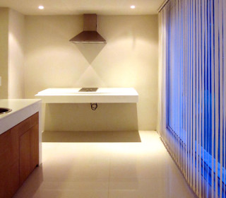 The kitchen zone of the Duplex Suite. The spaceship of the Muang Kulaypan beach resort.
