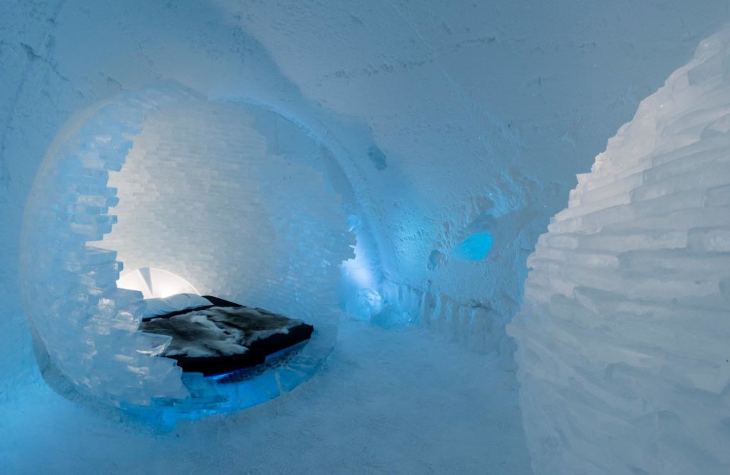 Icehotel Jukkasjärvi art suite BEFORE THE BIG BANG by Rob & Timsam Harding. Photo: Christopher Hauser