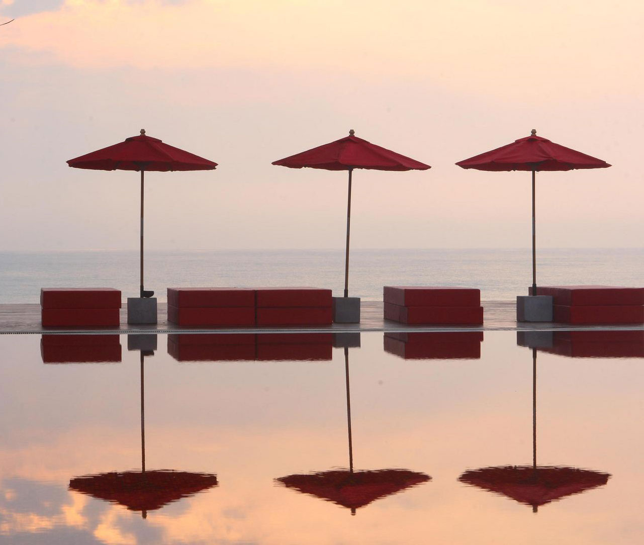 Tle Library, Koh Samui. View from the red pool to the sea. Photo: The Library