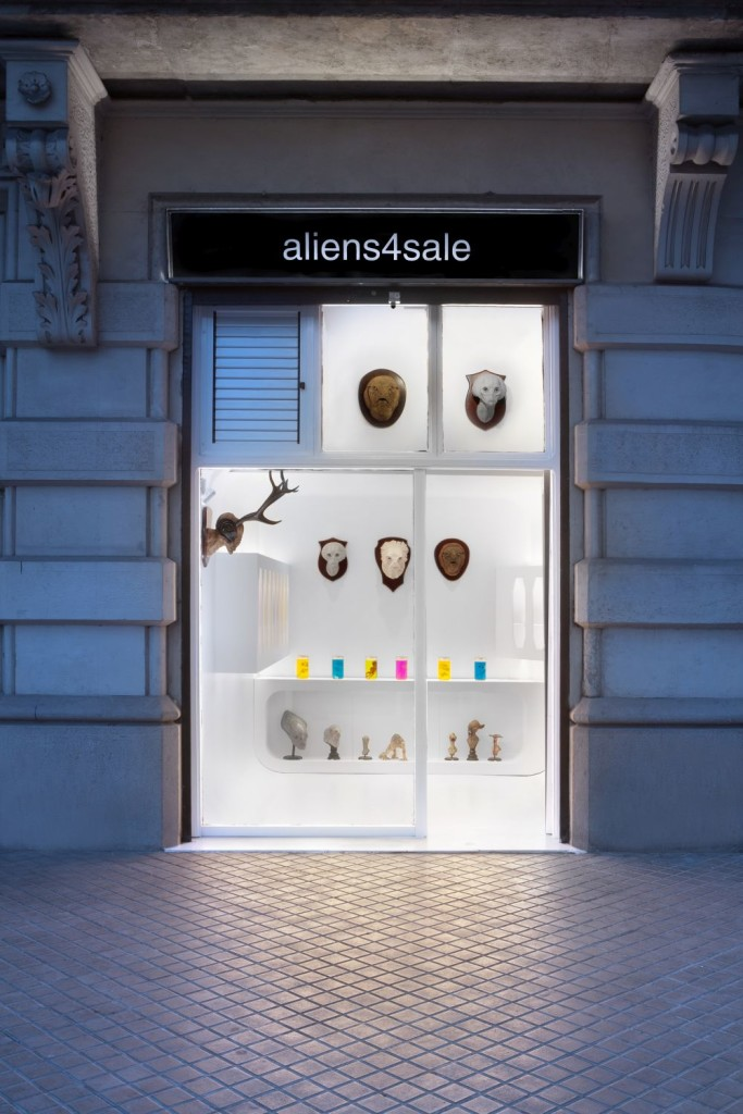 aliens4sale sells aliens in the Passeig de Sant Joan, Eixample district Barcelona