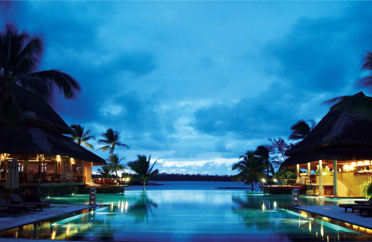 Infinity pool of the moment: Constance Le Prince Maurice, Mauritius. One of the 25 top hotels of the world, thravellers´choice award 2015. View from the lobby.