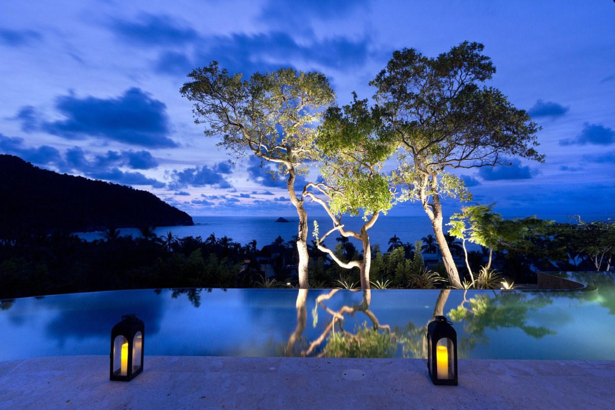 A night at the infinity pool of the SJA I House Mexico the art